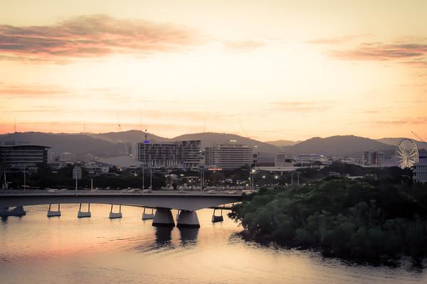 brisbane-river-glow-M.jpg